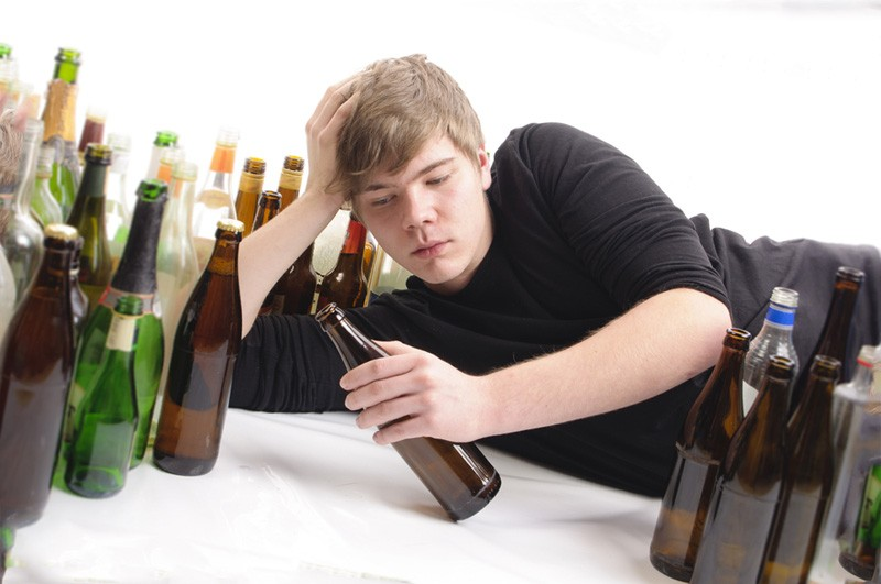 Как препятствовать алкоголизму сына